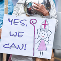 """""""Nincs több időnk!"""" - hálózatba tömörülve akarja kierőszakolni a nők pappá szentelését több """"katolikus"""" nőszervezet"""