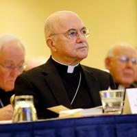 """Viganò érsek: Az Egyház több intézményét, felülről lefelé, egy korrupt """"maffia"""" foglalta el"""