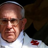 Közvetlen pápai beavatkozások kánonjogi ügyekben is