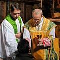 Athanasius Schneider: Benedek pápa a kézbe áldozásról