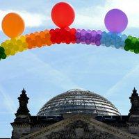 """A német püspökök """"tisztelettel vannak az azonos nemű kapcsolatok iránt"""