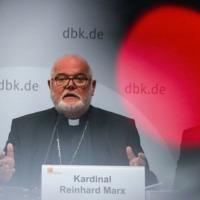 Kisajátítja a német püspöki kar kommunikációját a