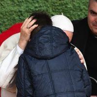 Ferenc pápa egy gyászoló fiúnak: Az ateista édesapád a mennyben van