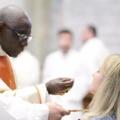 """Robert Sarah bíboros a hagyományos szentmisék korlátozásáról: """"Az Egyház hitelessége forog kockán."""""""