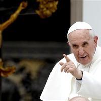 Ferenc pápa átírta a Katolikus Egyház Katekizmusát