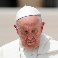 """Papok, teológusok: """"Az eretnekség kánonjogi vétségével vádoljuk Ferenc pápát"""""""