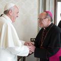 Az SSPX intézményébe költözik Chur püspöke