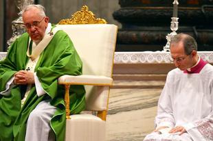 Ferenc pápa új buzdítása: mások társadalmi integrációja és a migránsok helyzete is van olyan fontos, mint az abortuszokban elpusztított magzatok élete