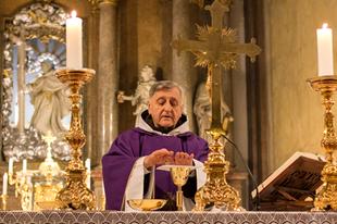"""""""Bolondmise"""" után - Barsi Balázs atya: Az egyházszakadás végbement."""