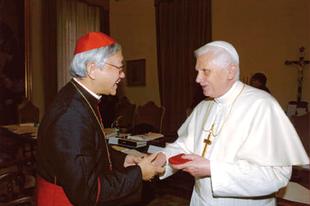Zen bíboros: XVI. Benedek pápa már kijelölte az irányt!