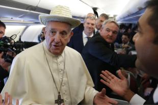"""Ferenc pápa: """"Megtiszteltetés számomra, ha amerikaiak támadnak engem."""""""