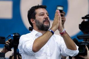 Matteo Salvini a húsvéti misék korlátozottan nyilvános megtartását kéri