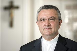 A magyar püspökök támogatásáról biztosította Veres András az LMBT-lobbi által támadott lengyel püspököket