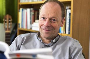Fellángolt a homoszexualitás-vita egy német teológiai főiskola rektorválasztása kapcsán