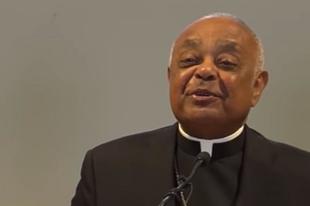 Volt pápai nunciusnak tiltotta meg hagyományos latin mise bemutatását a washingtoni érsek