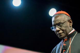 Sarah bíboros feladata lesz kihirdetni az új pápa nevét a következő konklávén