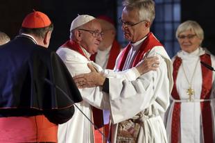 Egy éve tettek fogadalmat a közös szentáldozásra a katolikus és evangélikus egyházi vezetők