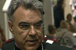 Keresztszülőknek és hittanároknak hívja az újraházasodott elváltakat Ferenc pápa bíborosi tanácsának titkára
