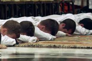 Teológus pap válaszol a cölibátussal kapcsolatos kritikákra