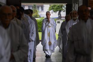 """Jezsuita szóvivő: """"Sosa atya azt vallja és tanítja, amit az Egyház vall és tanít"""""""