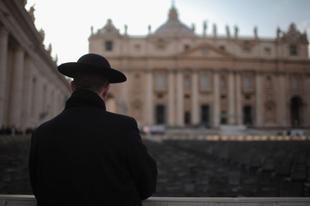 Terápiás összejövetelt rendeznek Írországban a szexuális visszaéléssel hamisan vádolt papoknak