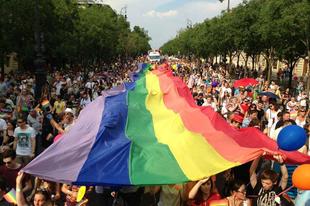"""Schneider püspök: A katolikus válasz az """"LMBT Pride"""" rendezvényekre"""