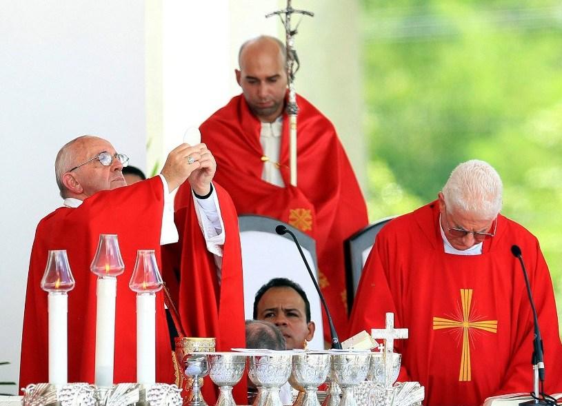 150921120624-01-pope-francis-cuba-0921-super-169.jpg