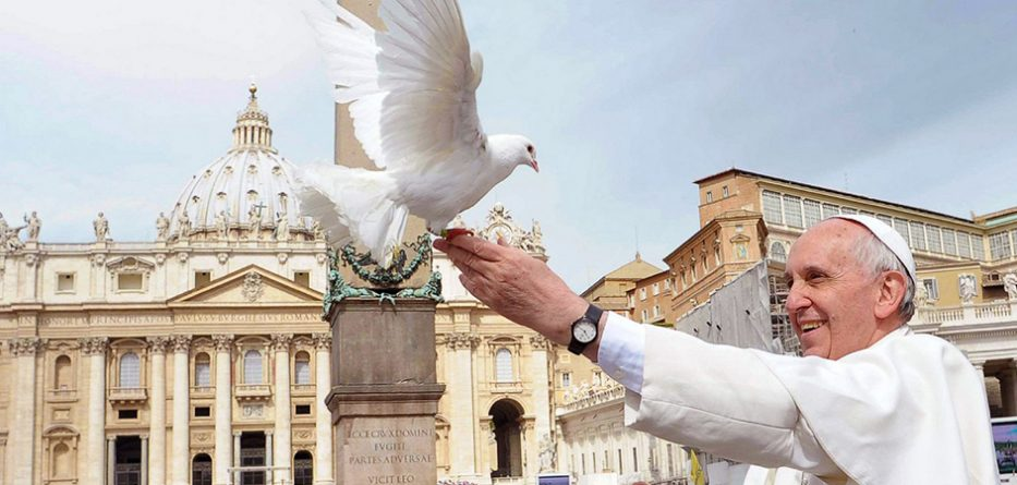 pope_francis-with-dove-co-image-933x445.jpg