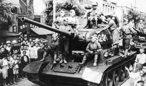 soviet-troops-entering-dalian-china-on-t-34-85-medium-tanks-aug-1945-900x529.jpg