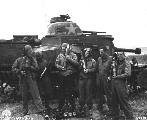 US-Lee-tank-crew.jpeg