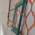Így készíts tapéta hatású falat stencillel