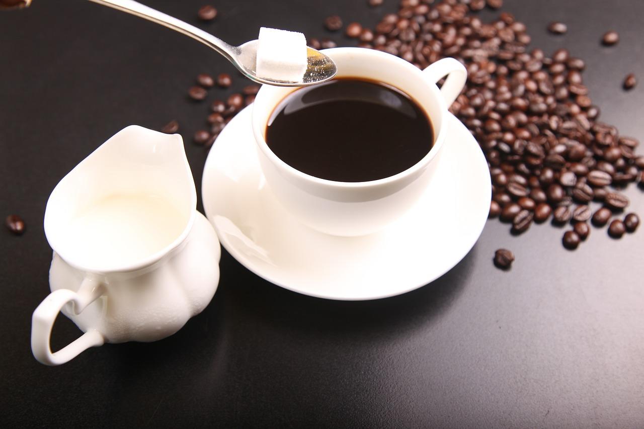 cukor-es-tej-tuladagolasa-kaveban.jpg