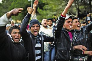 Hogyan működik, és mi a célja a migránsellenes propagandának?
