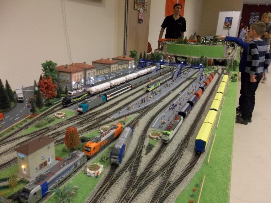 Miért ilyen népszerű a vasútmodellezés a kecskemétiek körében?