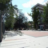 Borzalmas a volt sajtószékház előtt épülő park