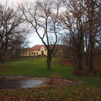 A pusztazámori Barcza-kastély kertje