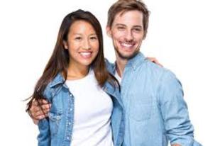 Miért sikeresek a fehér férfiak az ázsiai nőkkel?