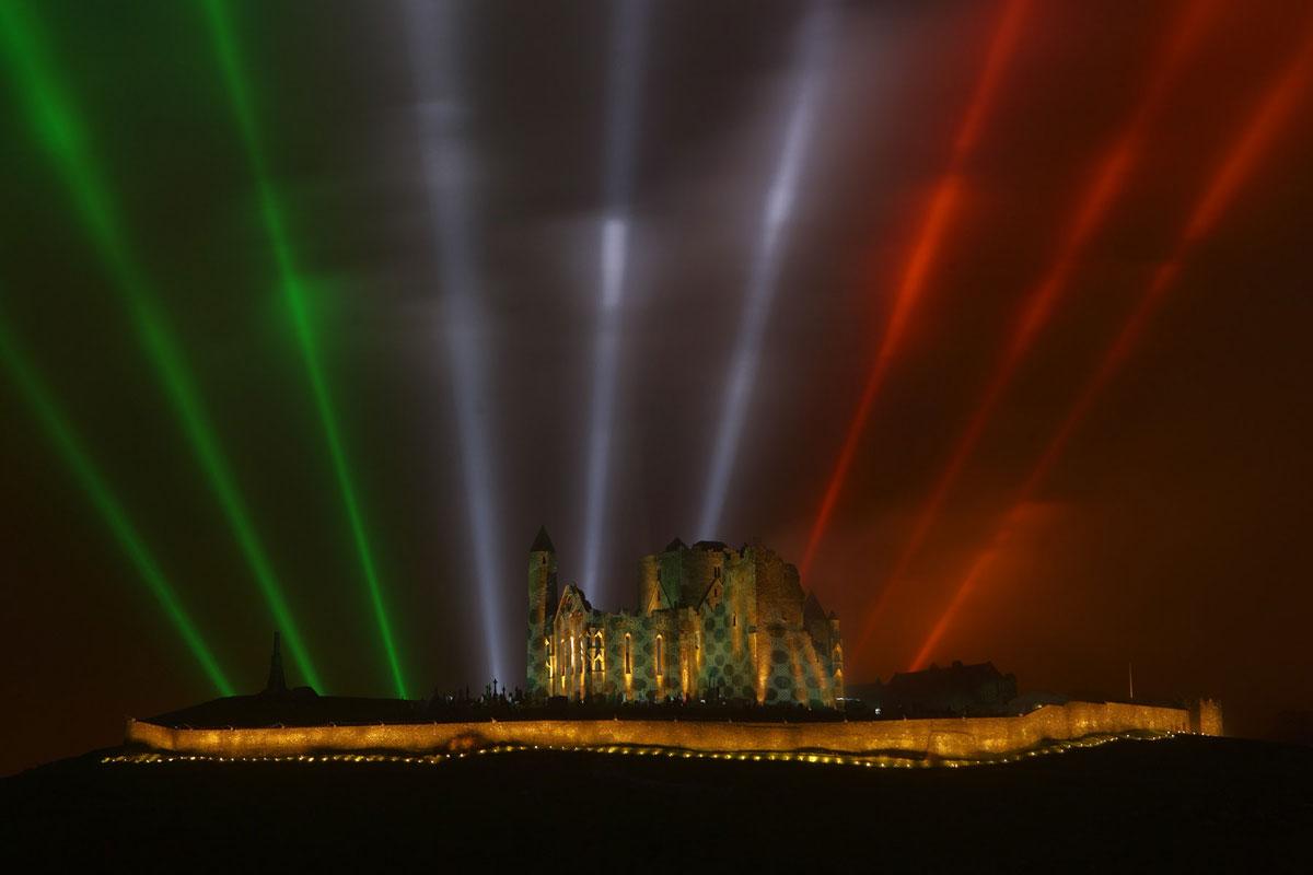 446-skyfest-rock-of-cashel-4_highreslightning_com.jpg