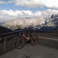 Kerékpározás az Óriások Földjén