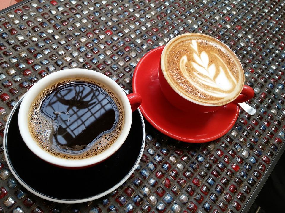 Csak egy kávéházi beszélgetés..., vagy annál sokkal több?