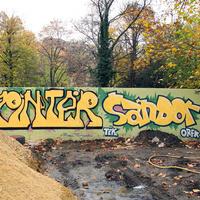 Pintér Sándort a falra kenték