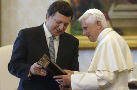 XVI Benedek pápa és Barroso.jpg