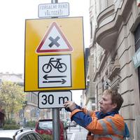 Már változtatják a forgalmi rendet a biciklisek miatt