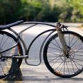Gravitációs kerékpár lehegesztett pedállal