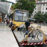Fogaskerekű elé kötöttek kerékpártárolót