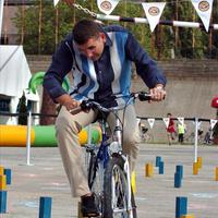 Egymás ellen küzd a két nagy biciklisszervezet