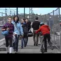 Leperegtek a Margit híd beruházóiról a biciklisek tanácsai