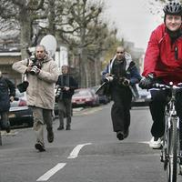 Lopkodják a konzervatív vezér bringáját