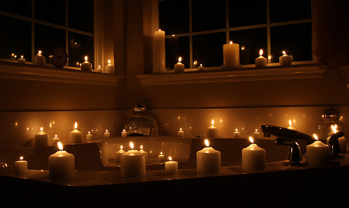 bathroom_with_candles.jpg