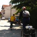 Bank, bringaszerviz és netcafé Strugában